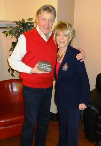 Long time friends Bill and Jeannie Seely