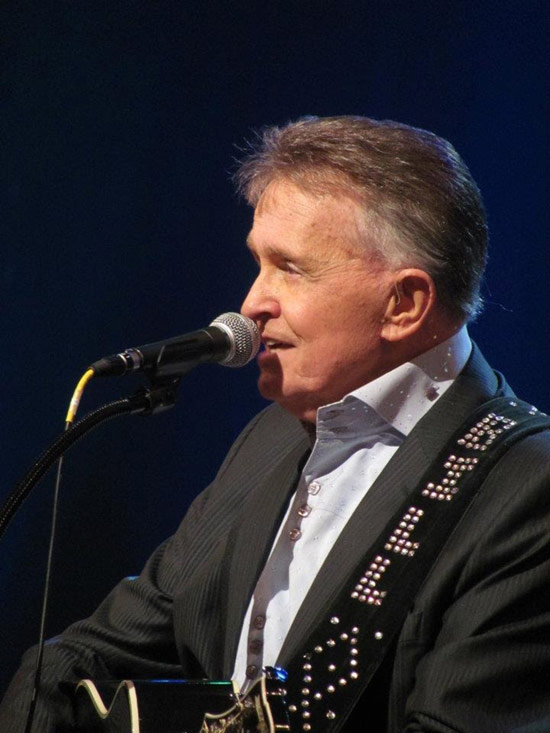 AT THE THEATER: COUNTRY FAMILY REUNION WITH BILL ANDERSON