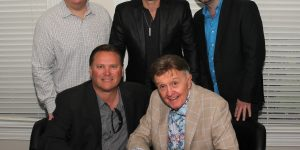 BILL ANDERSON SIGNS WITH THE KINKEAD ENTERTAINMENT AGENCY FOR BOOKING REPRESENTATION