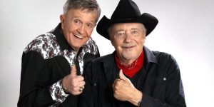 Bill Anderson, Bobby Bare Packing Houses on American Legends Tour Dates – Music Row